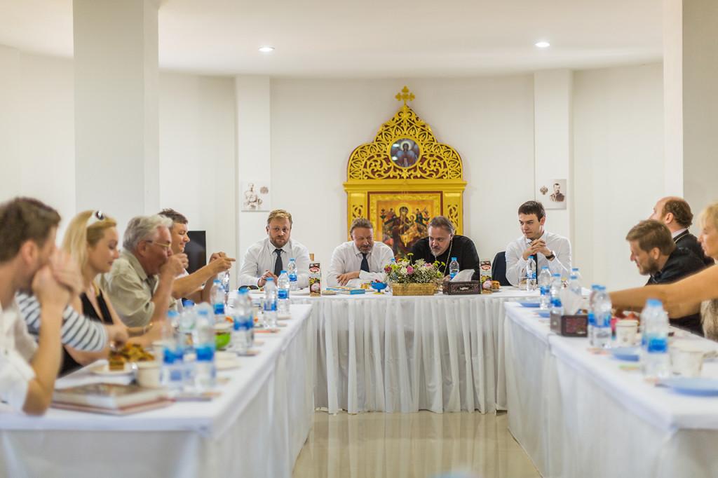 Встреча Посла России в Таиланде К.М. Барского с жителями города Хуа Хин